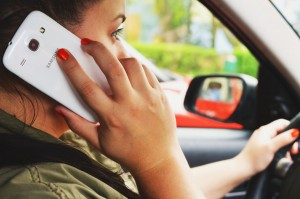 person-woman-smartphone-car (3)